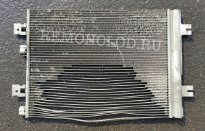 Из радиатора кондиционера вылетели теплоотводящие ламели